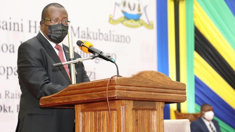 Dkt. Mpango ashuhudia utiaji saini wa hati za makubaliano ya kuondoa hoja za Muungano zilizopatiwa ufumbuzi