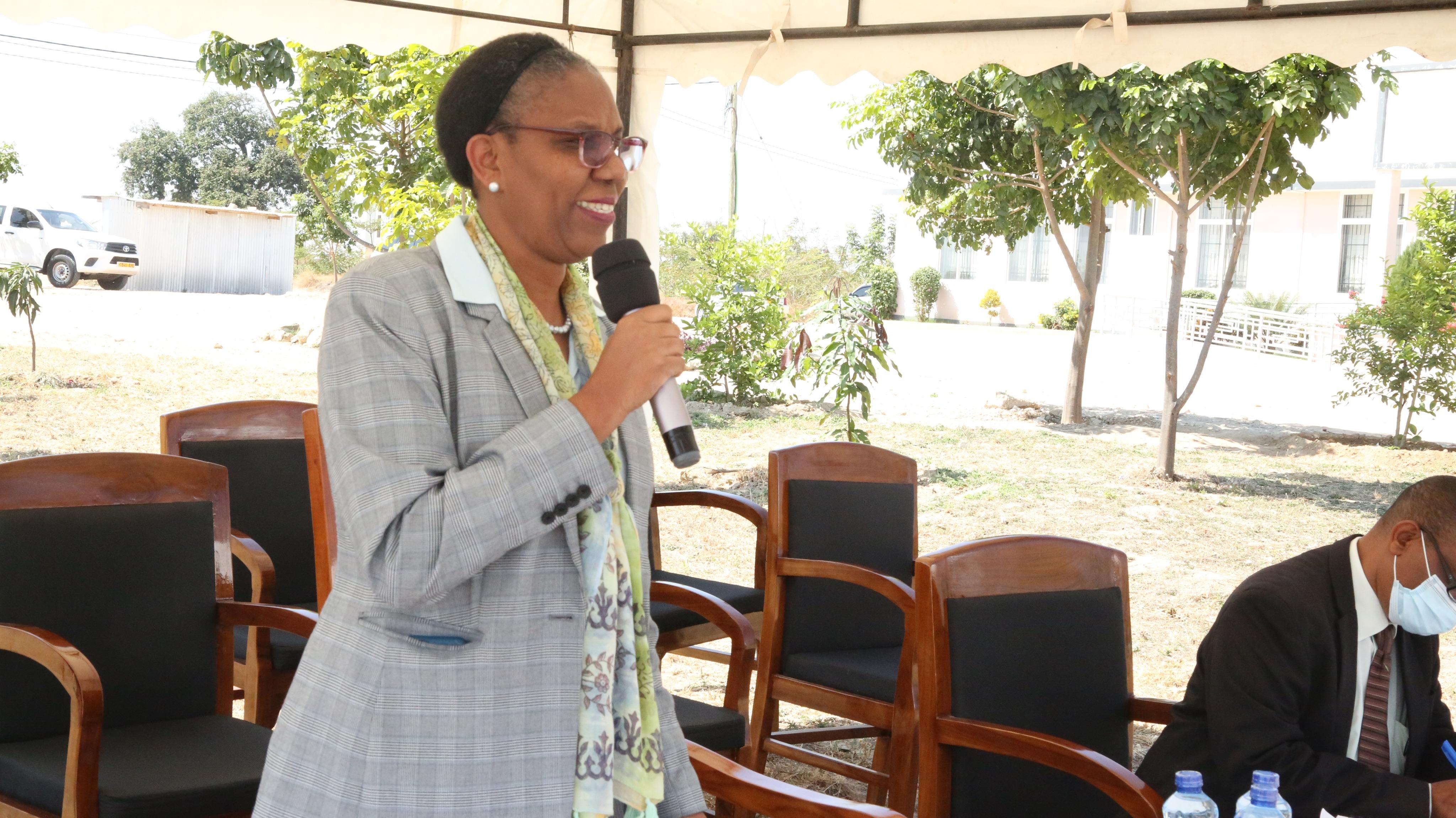 Katibu Mkuu Maganga asisitiza weledi kwa watumishi
